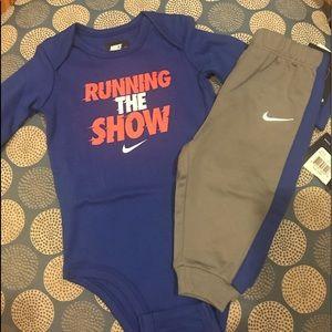 NWT Nike 2 Piece infant set